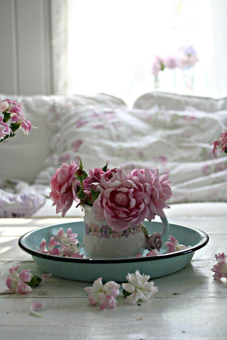 shabby chic decorations and ideas for home decor founterior. Black Bedroom Furniture Sets. Home Design Ideas