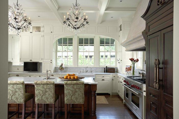 Traditional kitchen with barn ceiling in white