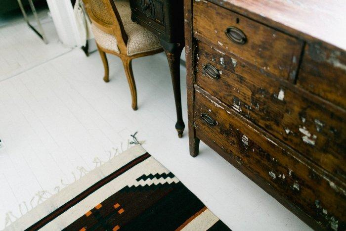 Vintage rug and a chest of drawers