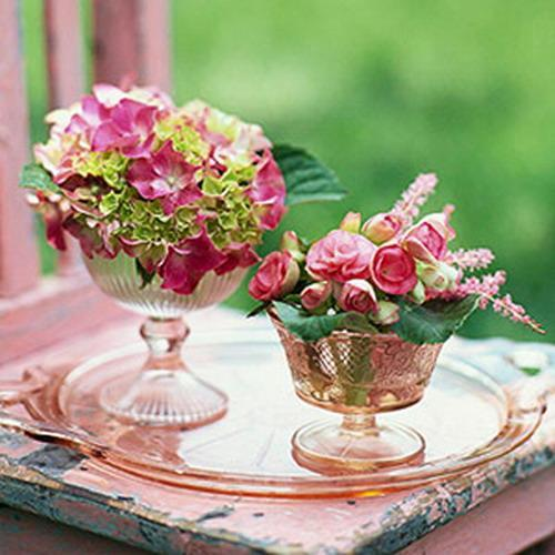 3 - Beautiful flowers placed in bows for fruits and decorating a small plate