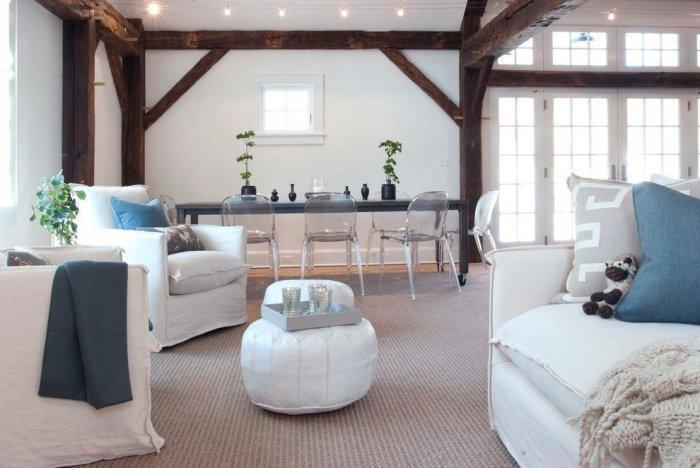 Contemporary barn living room - and white furniture with modern design
