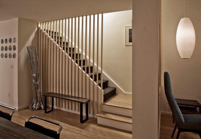 Contemporary staircase - leading to the second floor of the townhouse