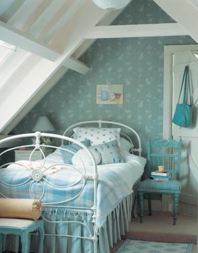 Cyan attic bedroom - with vintage shabby chic bed