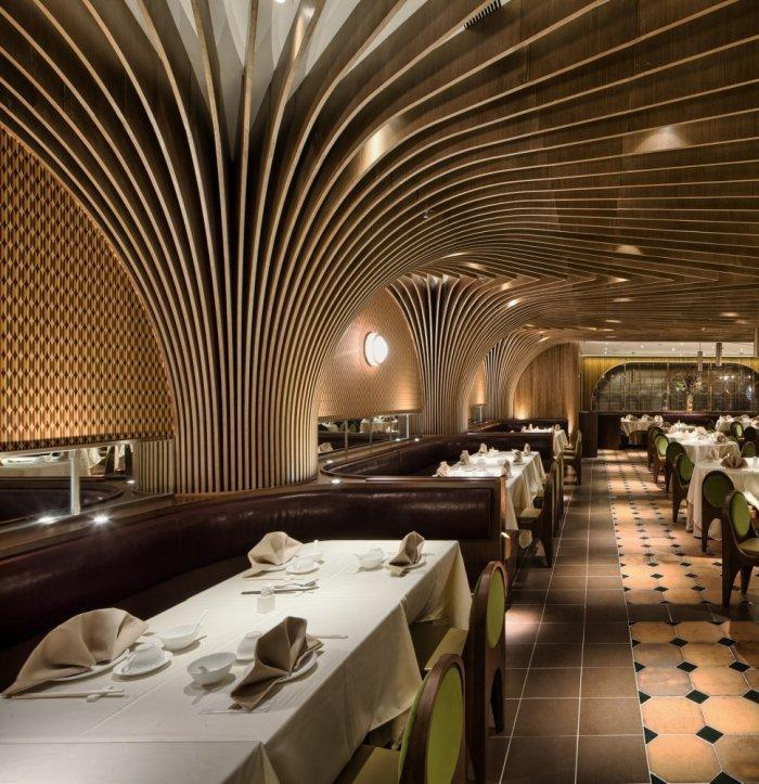 Restaurant architecture - the main volume where the tables are set