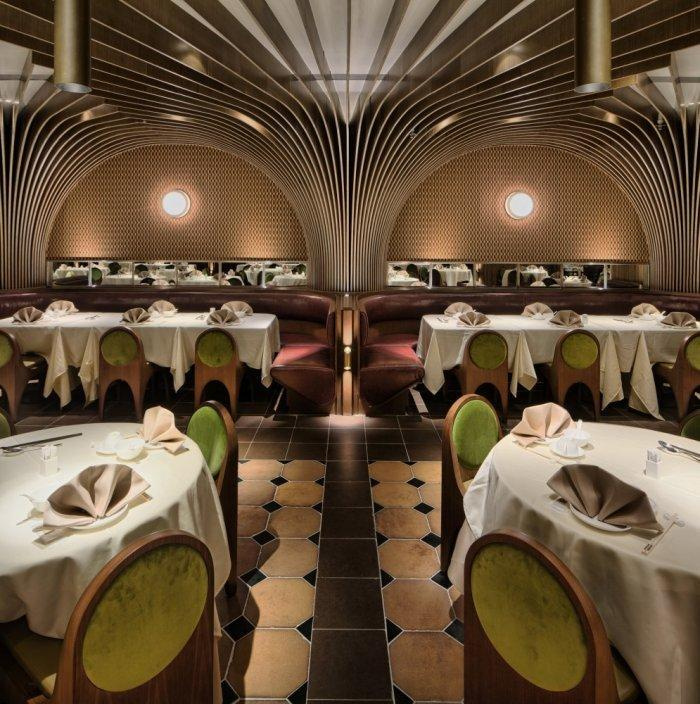 Restaurant architecture - the striped columns that support the ceiling