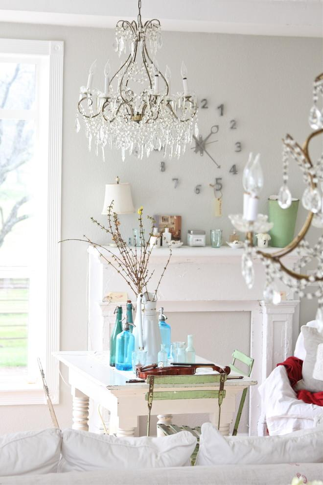 Shabby chic living room - with beautiful crystal chandelier