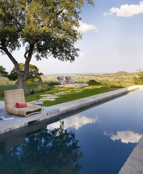 Summer villa - outdoor pool with views to the surrounding  nature