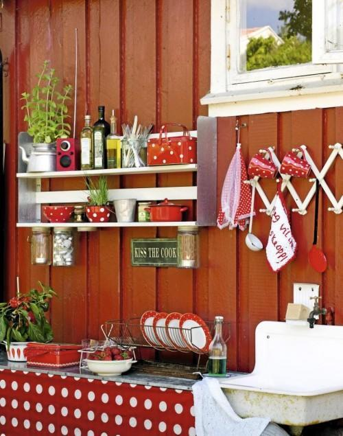 Summer villa - sweet kitchen in red with lovely vintage accents
