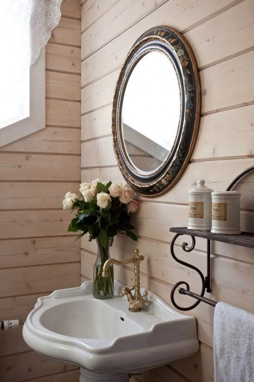 Summer villa - traditional bathroom design with vintage accents of wrought iron