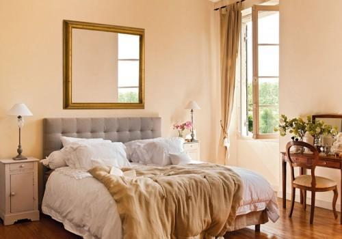 Summer villa - traditional bedroom design in pale orange and pink
