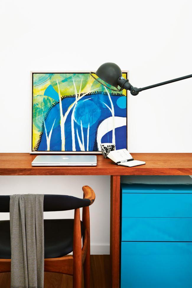 Very stylish modern home desk