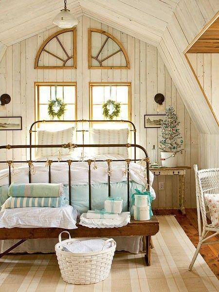 Vintage attic bedroom - with high ceiling