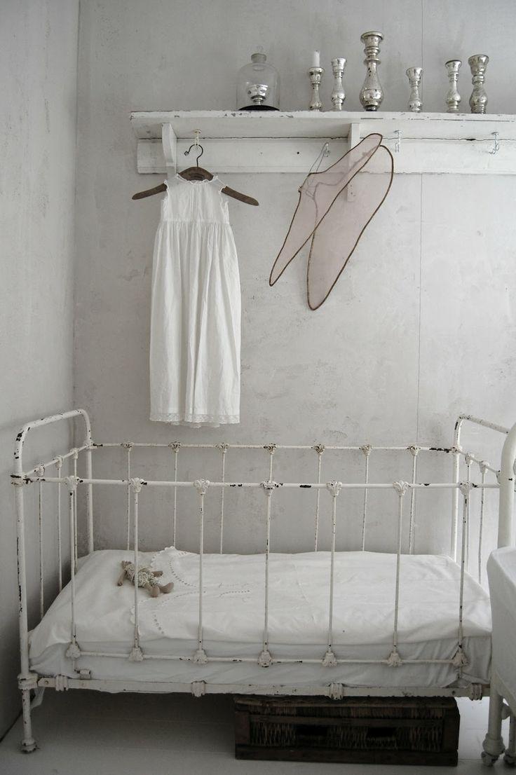 Vintage baby crib - in white color