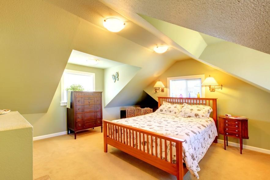 Inspiring attic bedroom design ideas founterior for Attic bedroom decoration