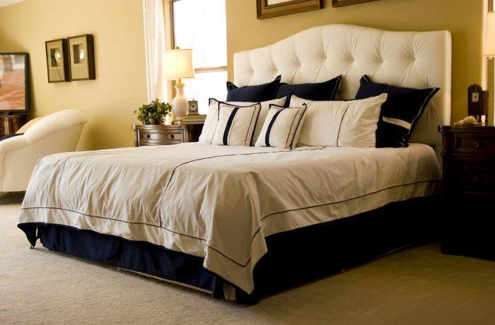 American feng shui bedroom - with cozy and large bed
