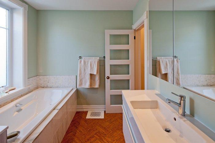 bathroom with cork tile flooring in fishbone shape - Cork Bathroom Interior