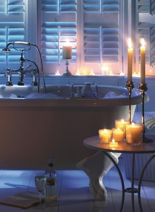 Bathtub and candles - for a romantic interior