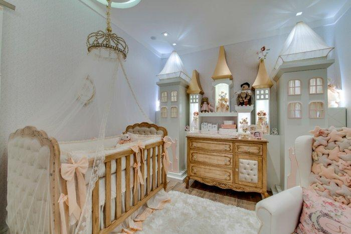 Beautiful light decor - into a baby room