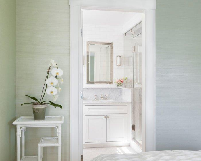 Bedroom bathroom - with white and pale green