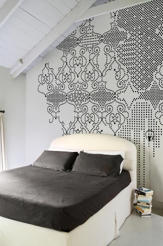Bedroom wall paint - in black and white nuances