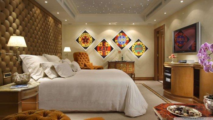 Casual luxury bedrom - with urban wall art
