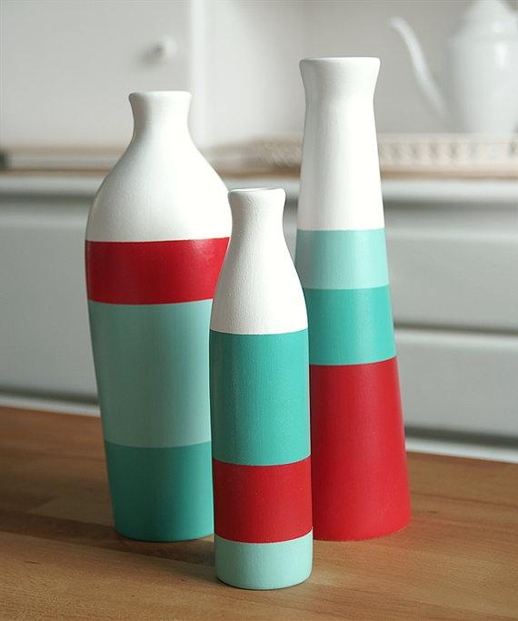 Colorful vases - in striped lines