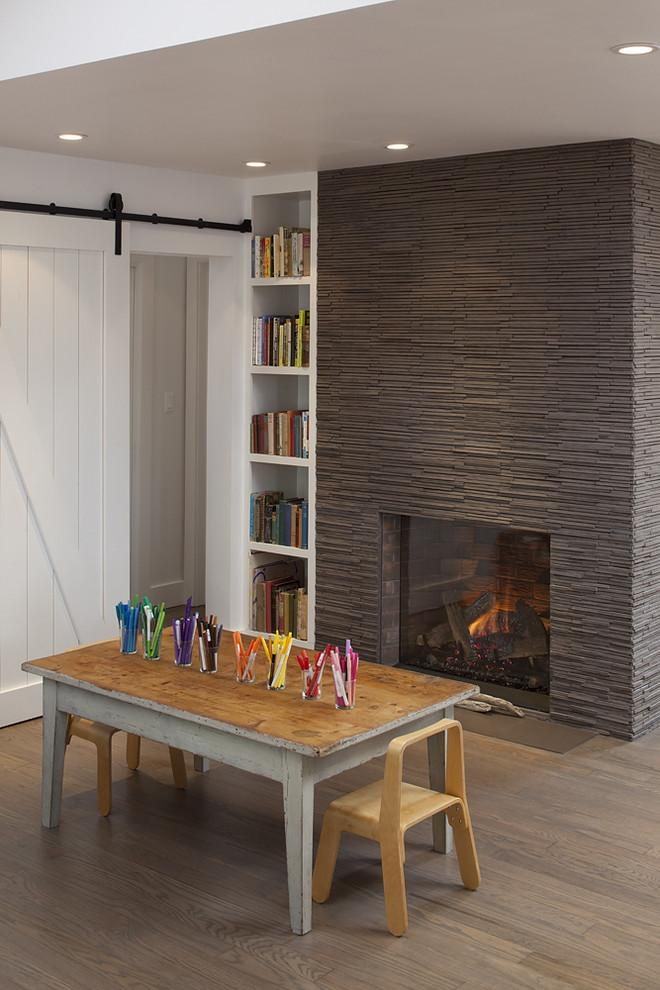 Contemporary dark fireplace - with cladding made of stone