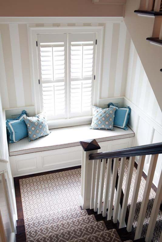 Cozy staircase with ottoman - and small decorative cushions