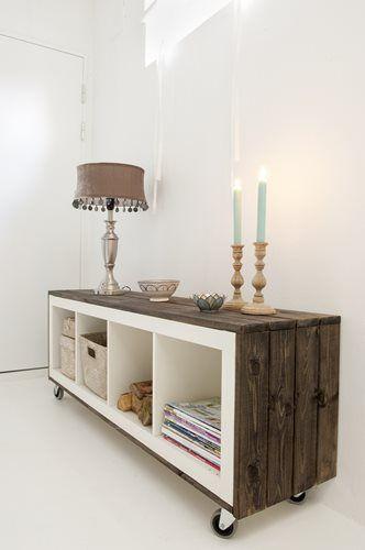 Creative mobile storage shelf - made of wood panels
