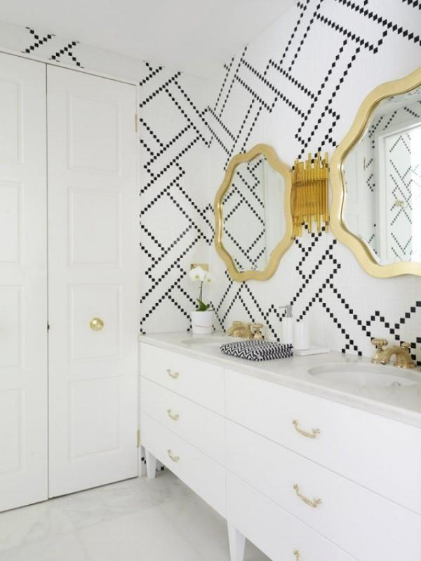 Creative paint - graphic bathroom wall