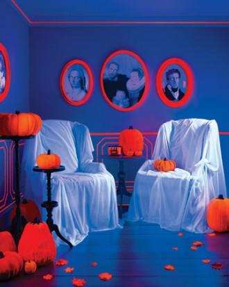 DIY Halloween room setting - with armchairs covered with cloth