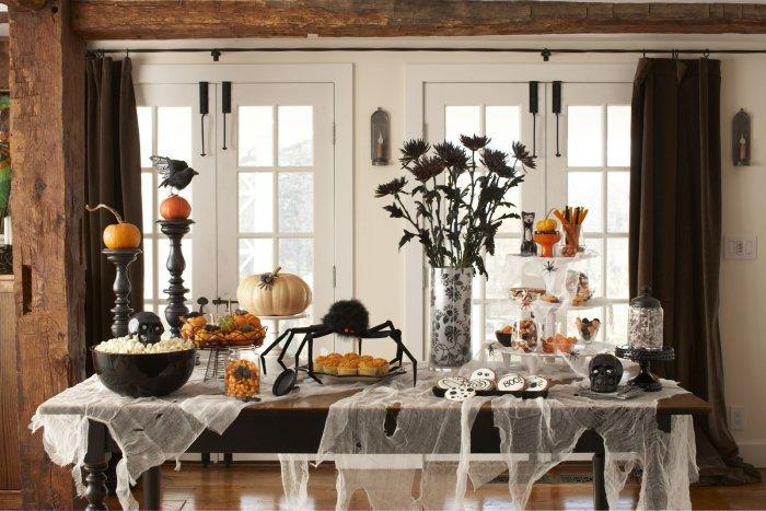 Dining Table With DIY Halloween