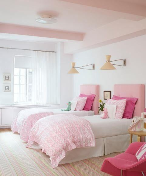 Double pink bedroom - with pale colored interior