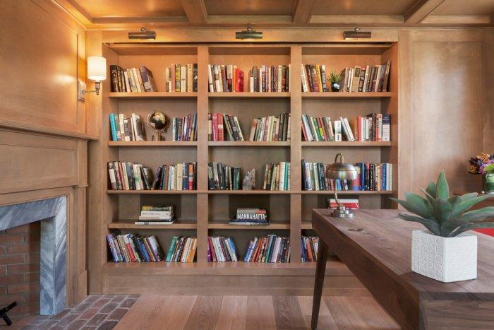 Feng shui bookshelves - with lots of books