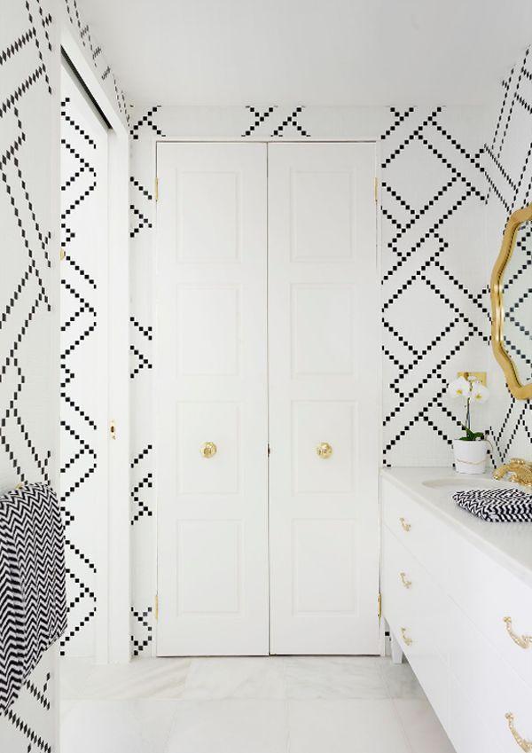 Graphic tiles design - inside a modern bathroom