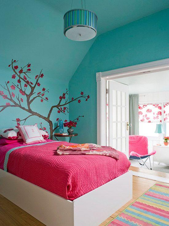Green bedroom - with accent red sheets