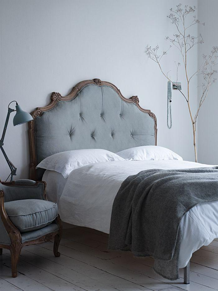 Grey feng shui bedroom - with classic bed and white sheets