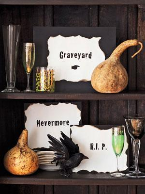 Halloween cupboard decor - with pumkins and scary writings
