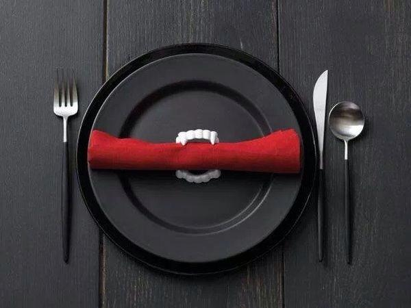 Halloween plate and flatware - for your special guests