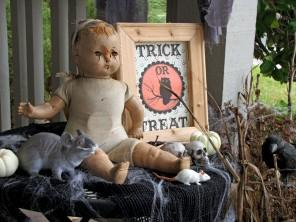 Halloween Store - Where to Find Costumes and Party Decor