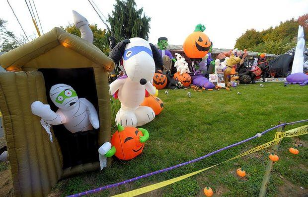Inflatable Halloween characters - for garden use
