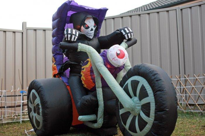 Inflatable Halloween skeleton rider - with motor bike