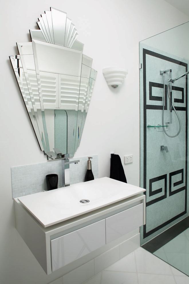 Interesting bathroom mirror - looks like a fan