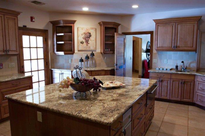Kitchen island with granite countertop - in dark colors
