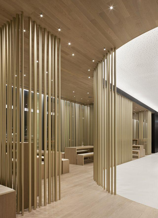 Luxurious restaurant in China - with slim and elegant decorative details