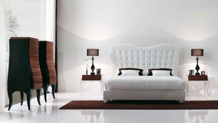 Modern luxurious bedroom - with white bed