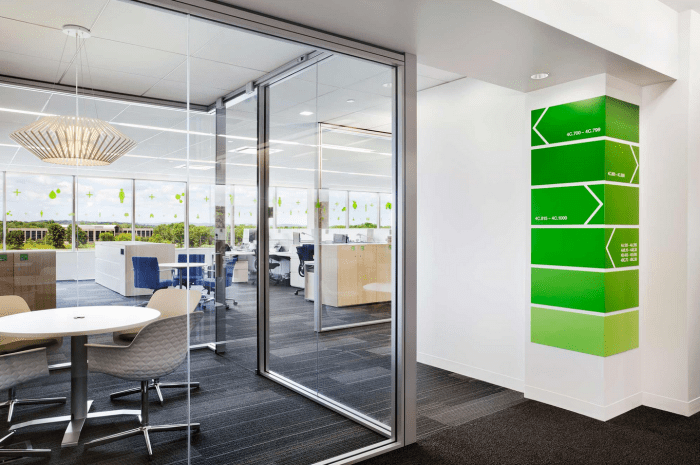 Basf 39 s modern office interior design by genstler founterior for Modern office space layout