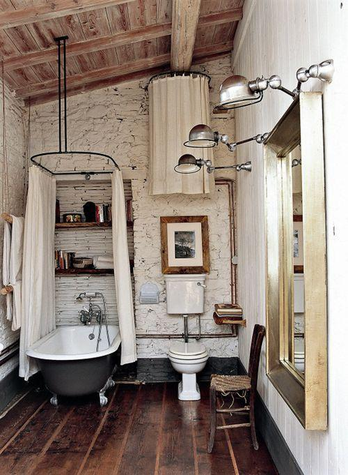 Modern Vintage Bathroom With Industrial Light Fixtures And Bathtub Founterior