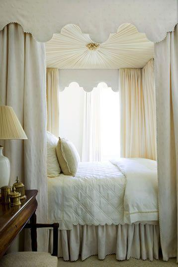Pale feng shui bedroom - with cozy bed and curtains