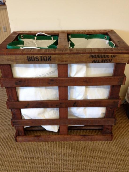 Pallet dirty clotes bin - with two separate compartments
